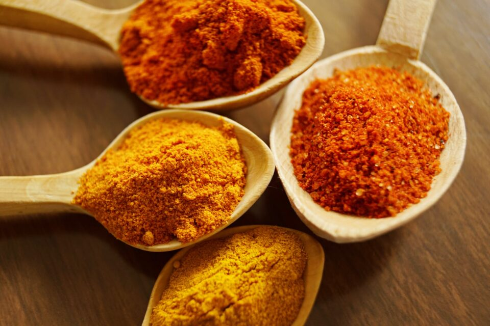 5 DIY Turmeric Face Masks For Spots