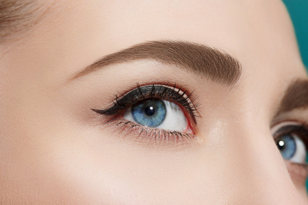 6 Ways To Grow Your Eyelashes Longer Naturally