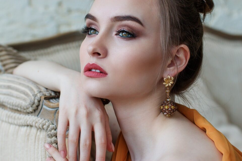 Every Girl Need To Know About Makeup Tips And Tricks